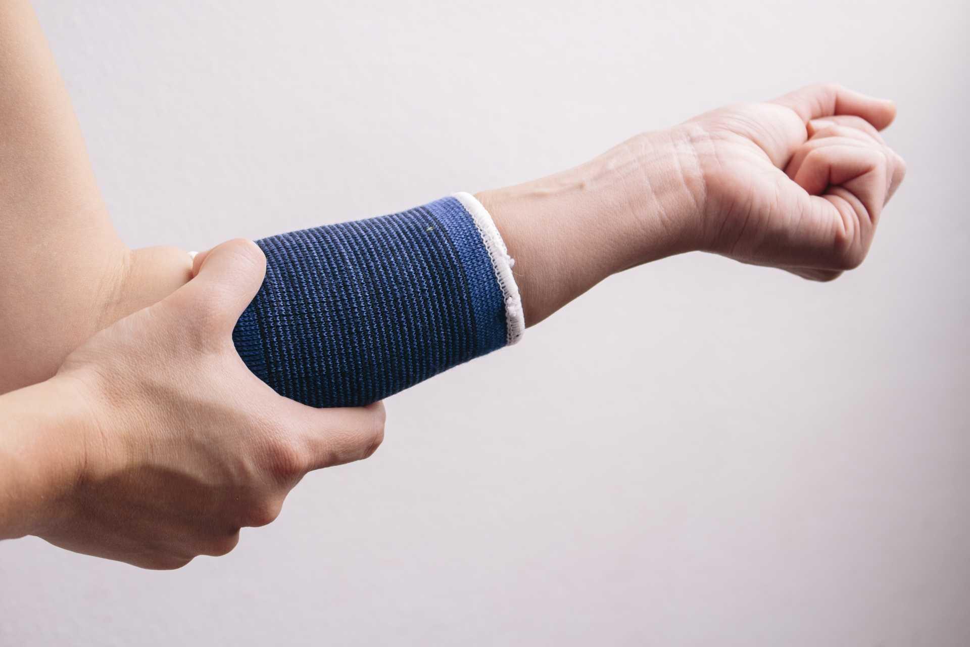 肘筋肉の痛み