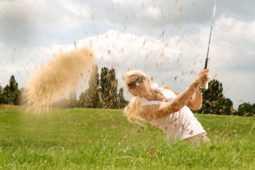 ゴルフ肘の原因となるスイングについて