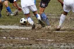 サッカーでよく起こる前十字靭帯断裂とは?手術で治るの?