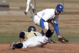 野球選手の肘の悩み「関節ねずみ」とは?再生医療で治る?