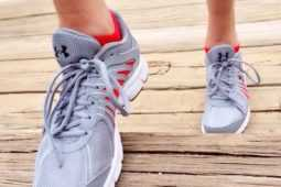 足首の靭帯断裂を起こしても歩けるの?