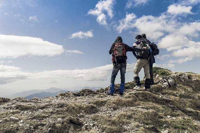 登山をする人たち
